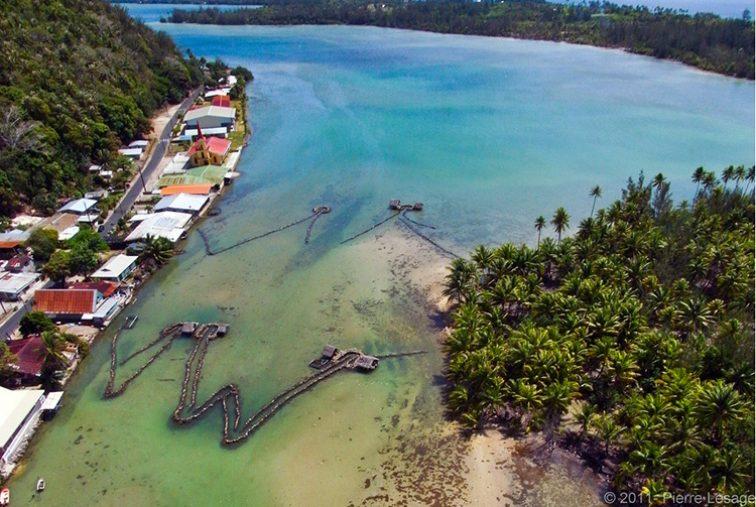 Pièges à poissons de Maeva à Huahine. Photo Pierre Lesage