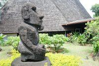 Moai de la paix de l'office du tourisme, Papeete