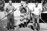 Chasseurs de baleines de Rurutu en 1967. Coll. Moanaura